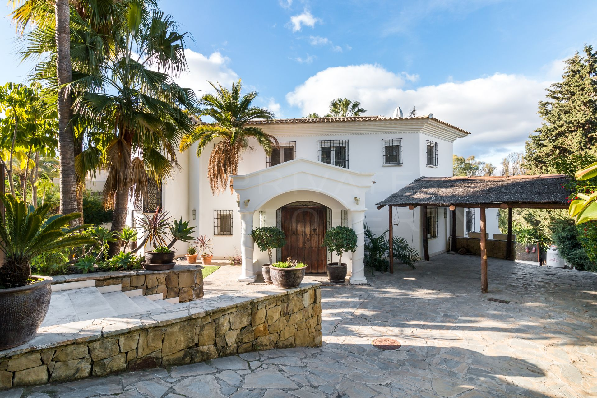 Wonderful villa on the golf course in El Paraiso