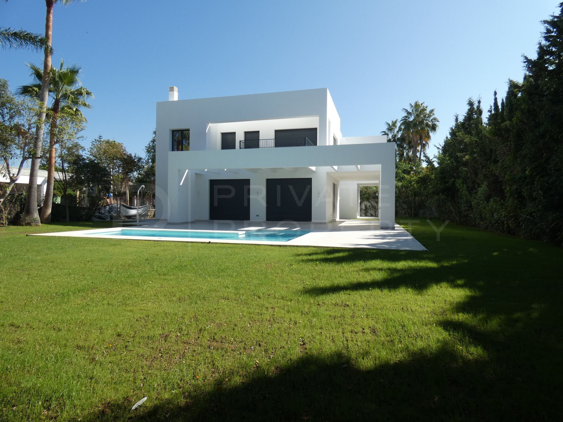 New beachside villa in Atalaya