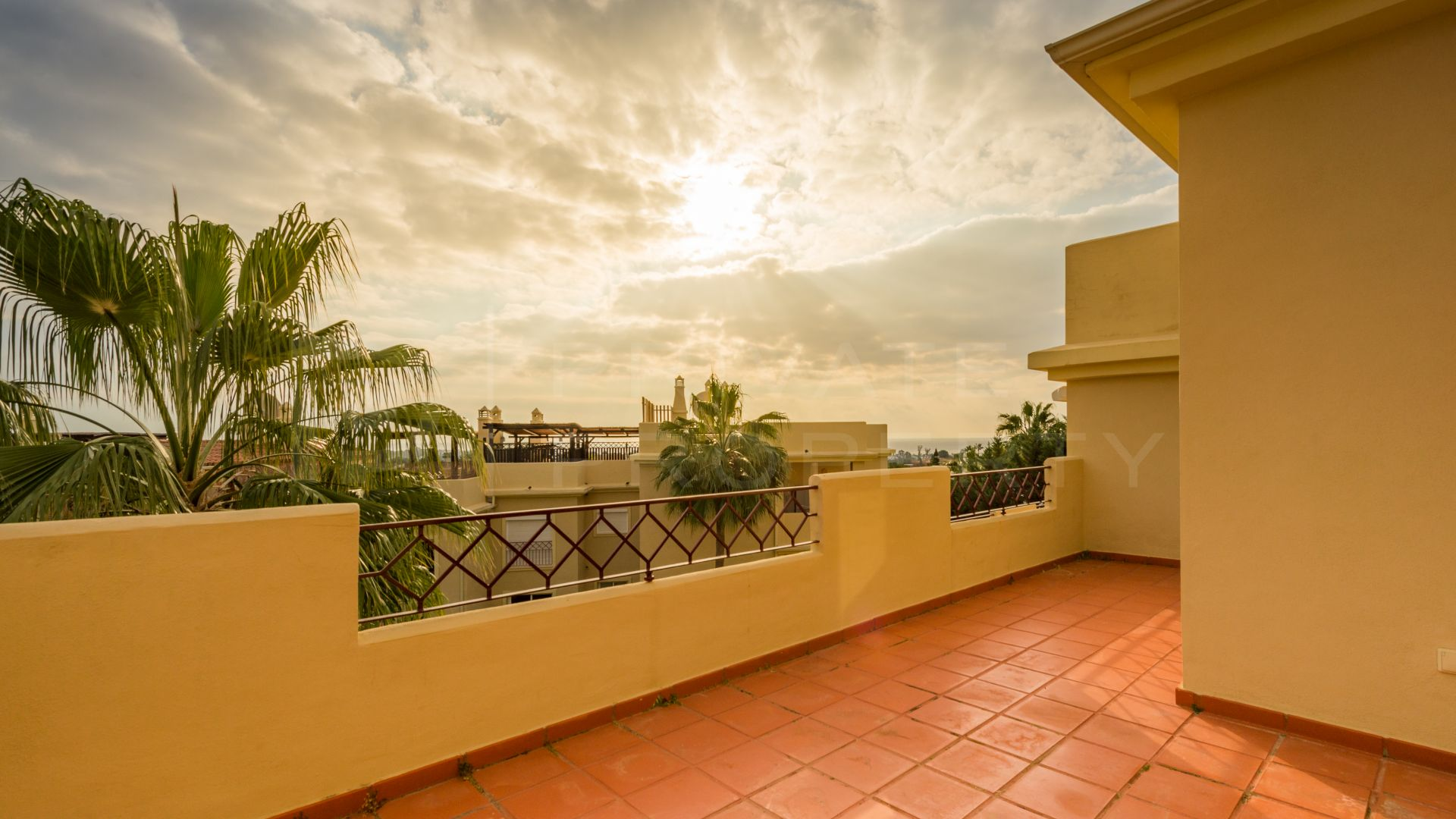 Penthouse with rooftop terrace in Los Flamingos