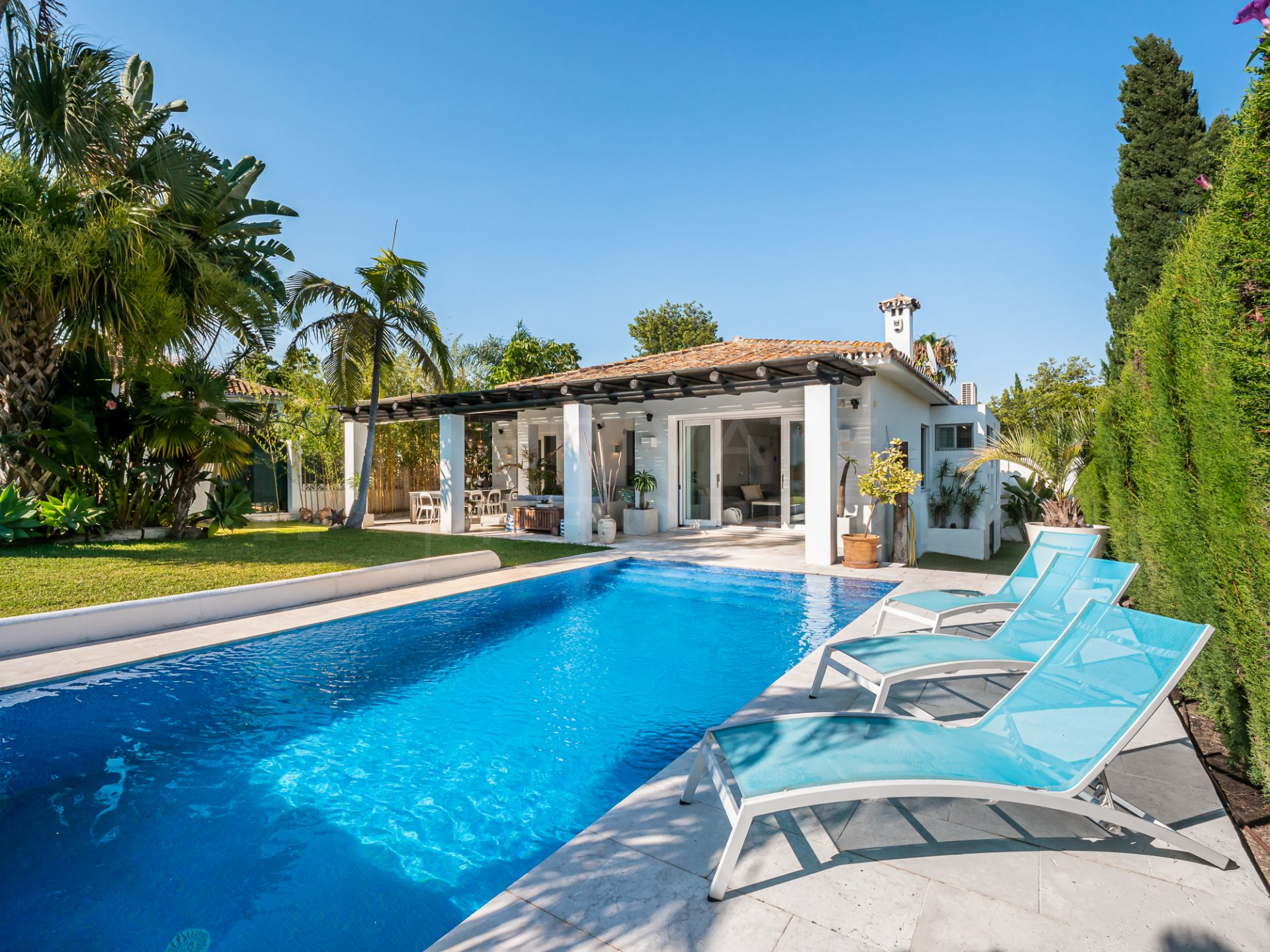 Single story villa in Guadalmina Alta