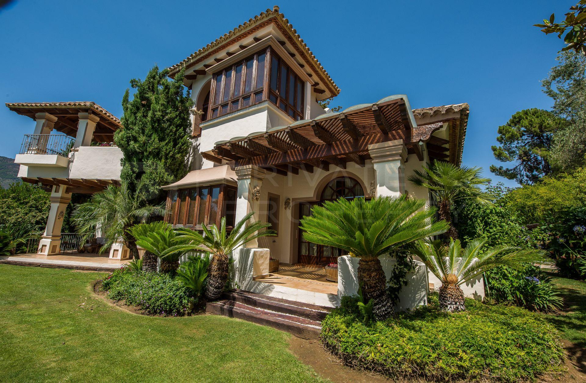 Charming villa in La Zagaleta