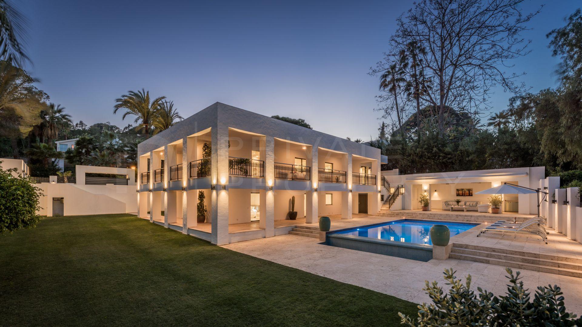 Modern villa in Nueva Andalucia