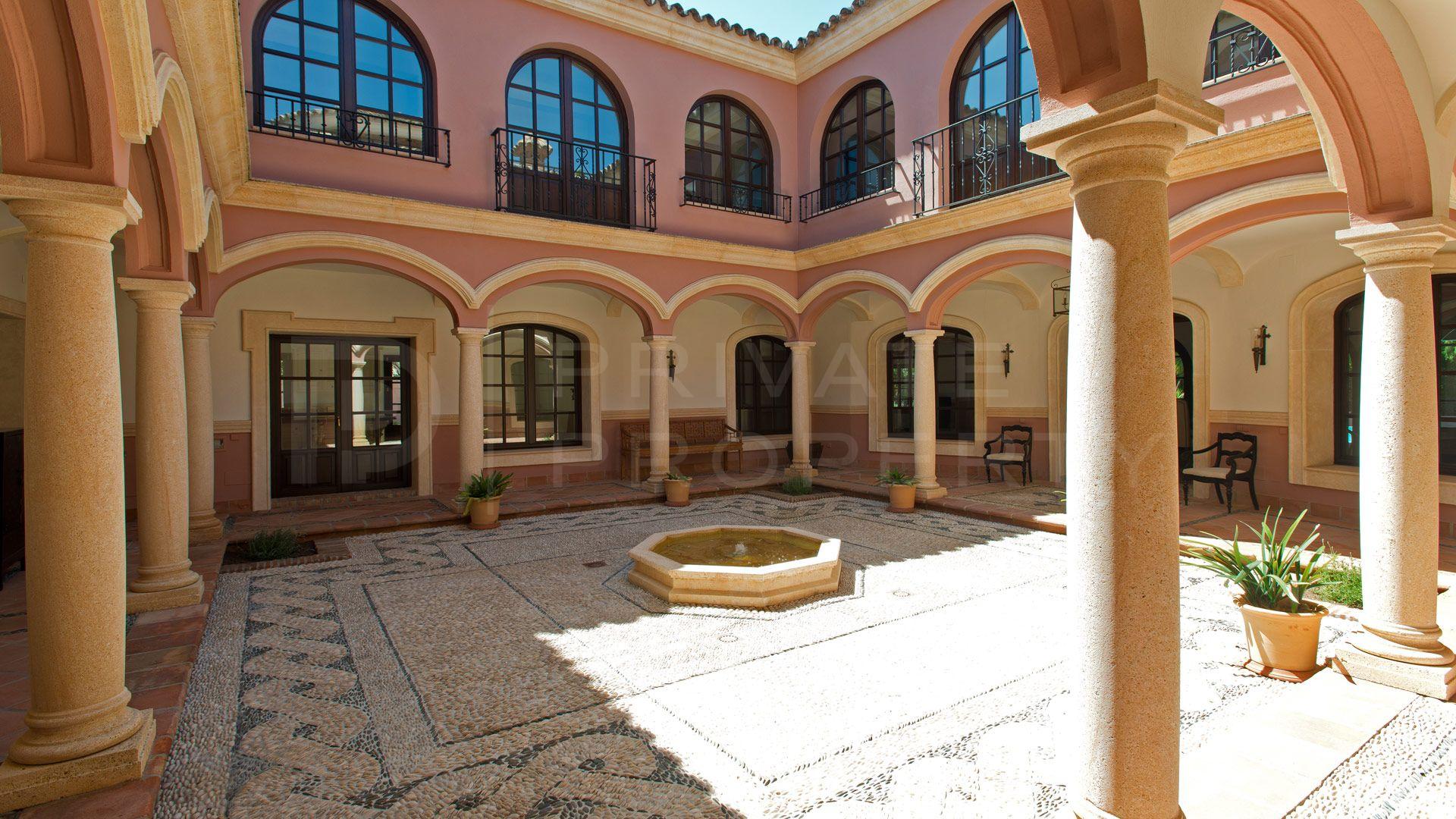 Beautiful cortijo in Guadalmina Baja
