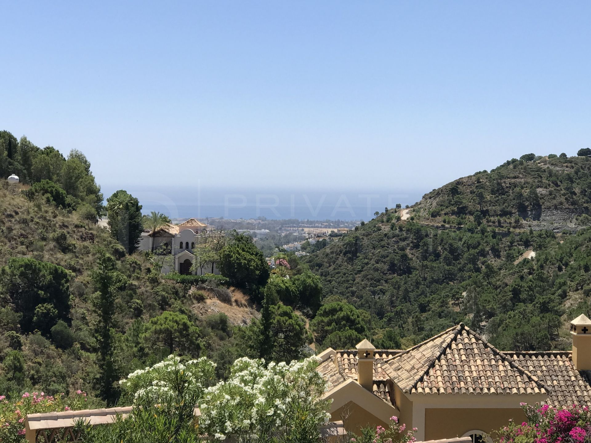 Sea view plot in El Madroñal