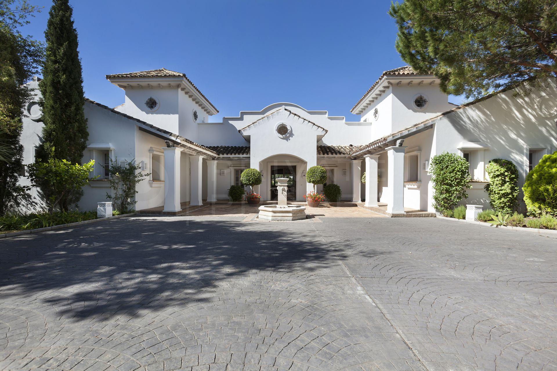 Elegant and private villa in La Zagaleta