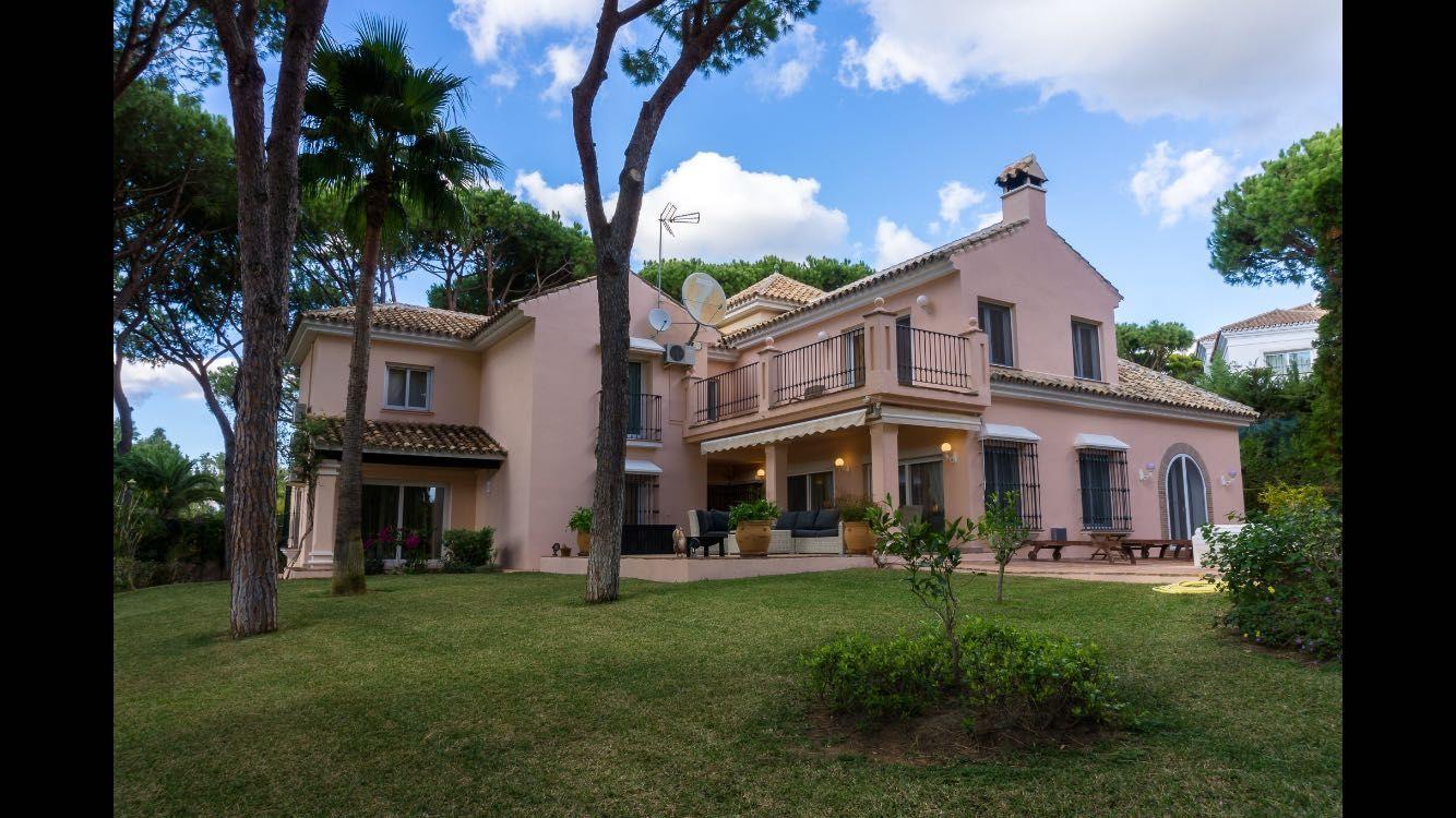 Casa en Hacienda las Chapas, Marbella