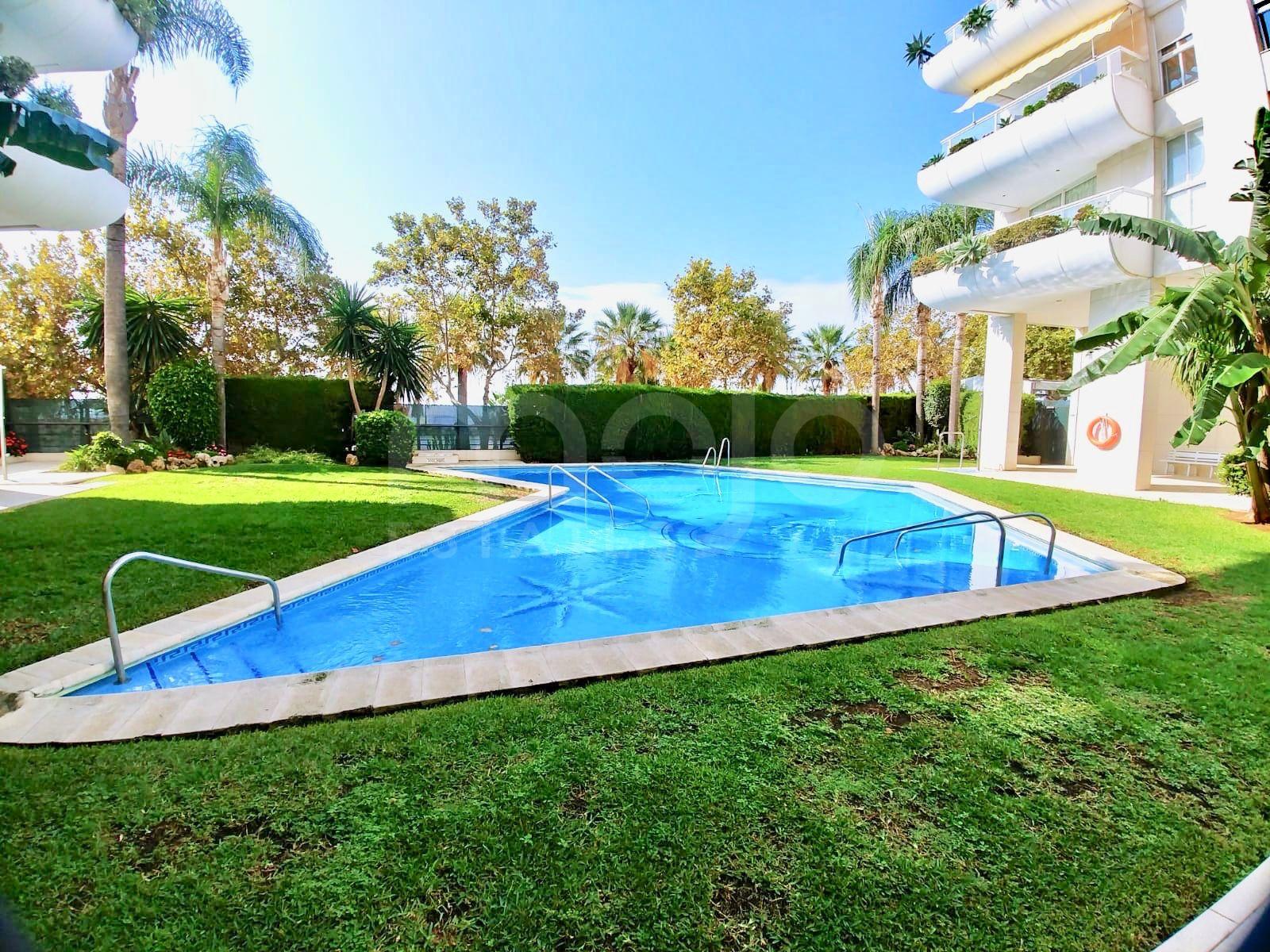 Appartement à vendre dans Playa Bajadilla - Puertos, Marbella