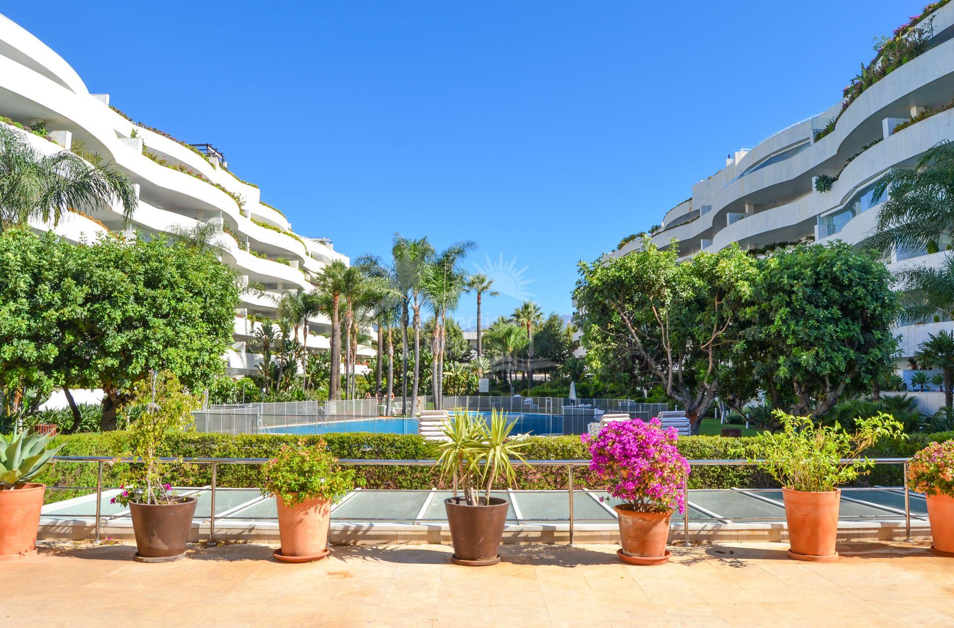 Apartment in El Embrujo Banús, Marbella