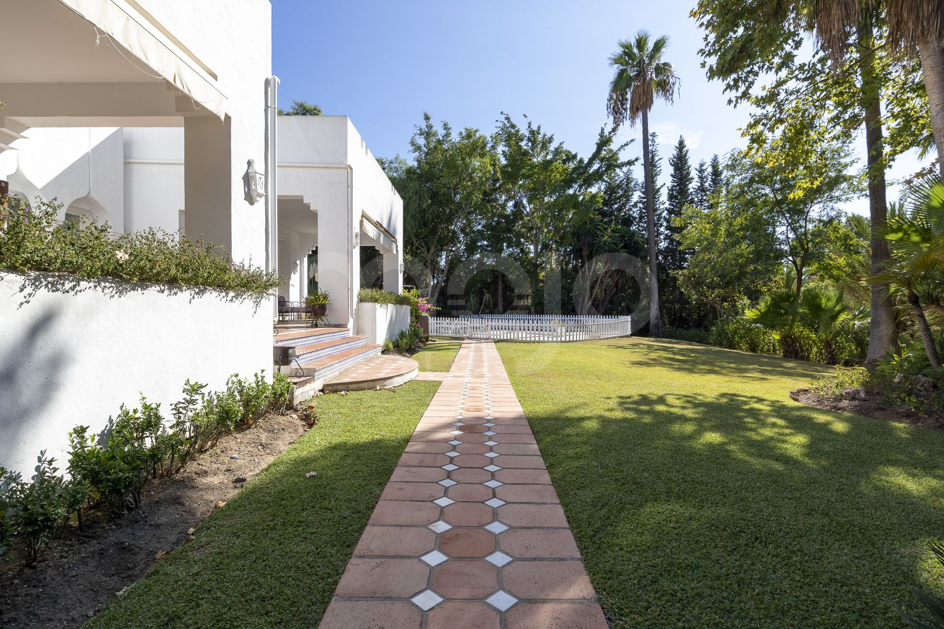 Villa à vendre dans El Paraiso, Estepona