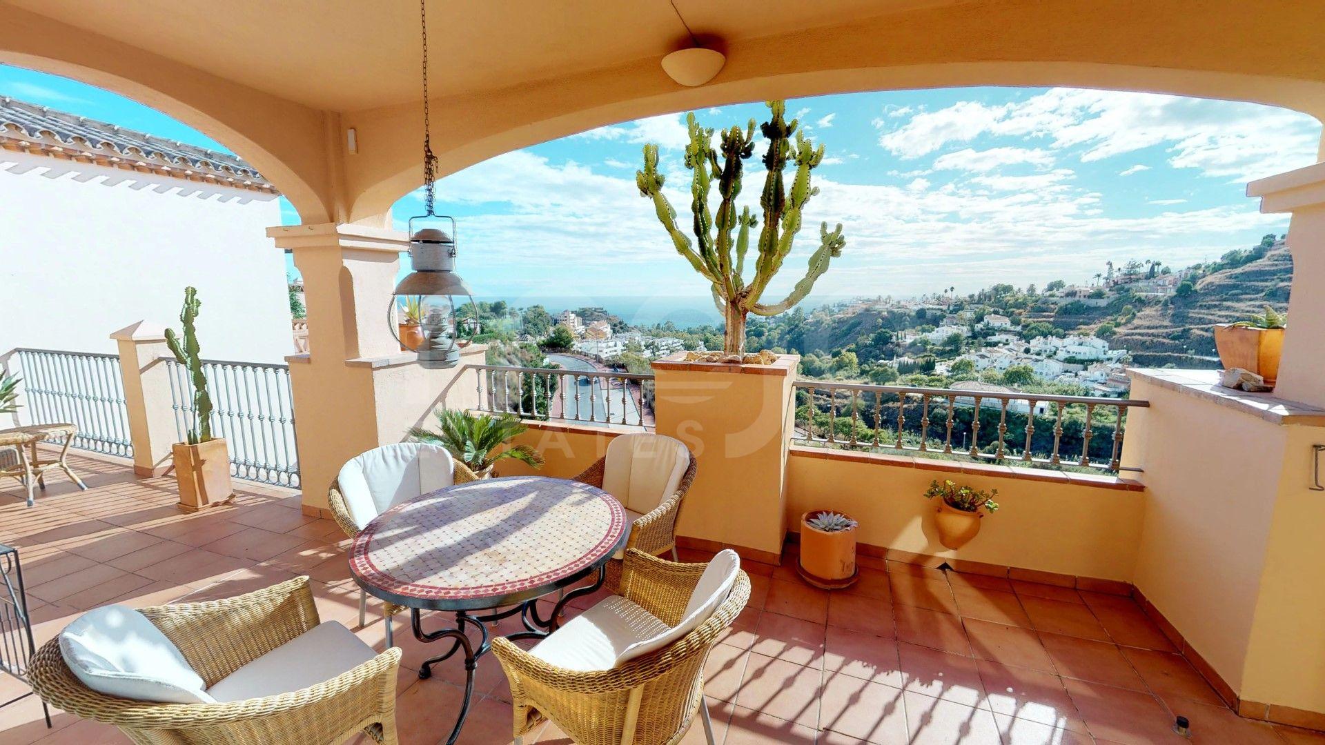 Penthouse for sale in Torrequebrada, Benalmadena
