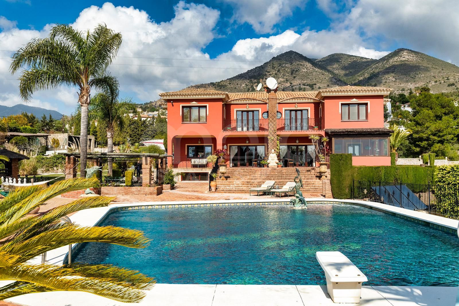Villa for sale in La Capellania, Benalmadena
