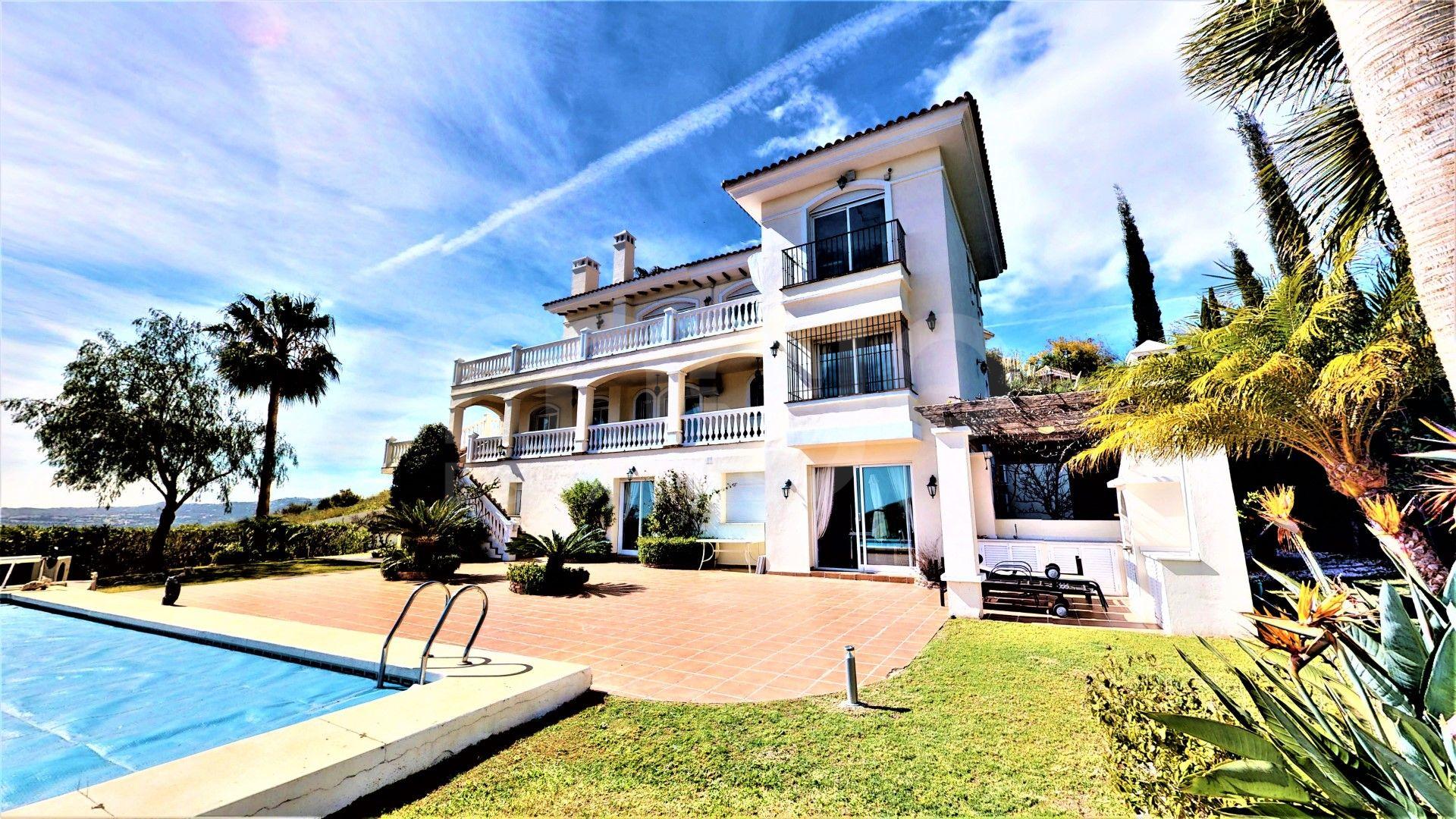 Villa for sale in Valtocado, Mijas