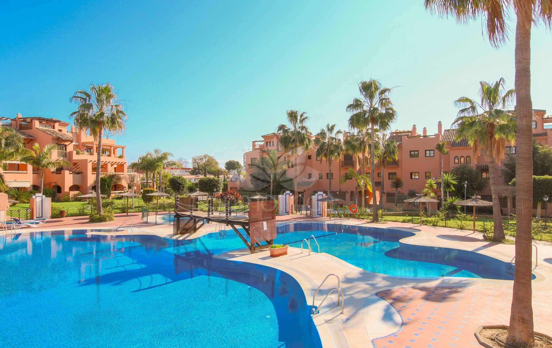 Apartment in Hacienda del Sol, Estepona