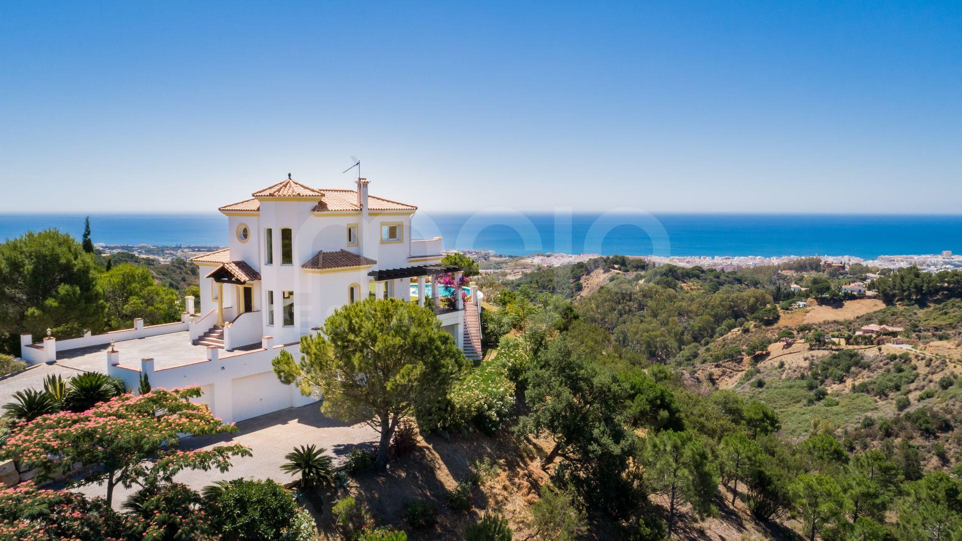 Villa til salg i Los Reales - Sierra Estepona