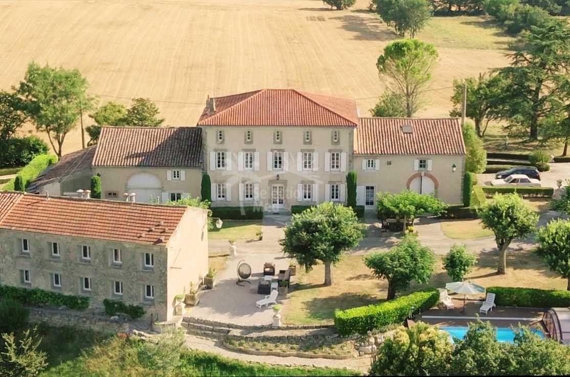 Estate in Saint-Julia