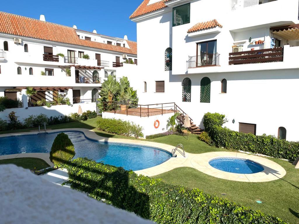 Duplex in Marbella Golden Mile, Marbella