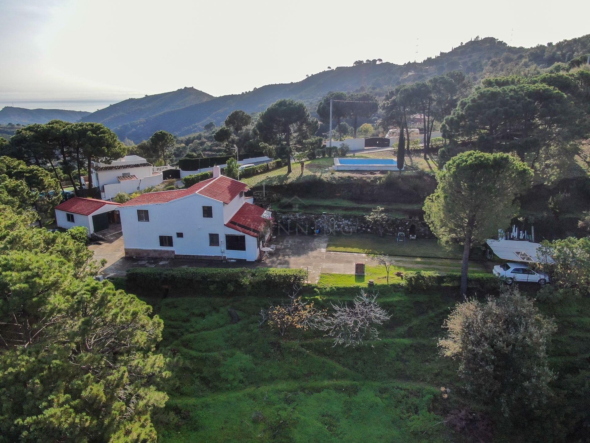Finca in Los Reales - Sierra Estepona, Estepona