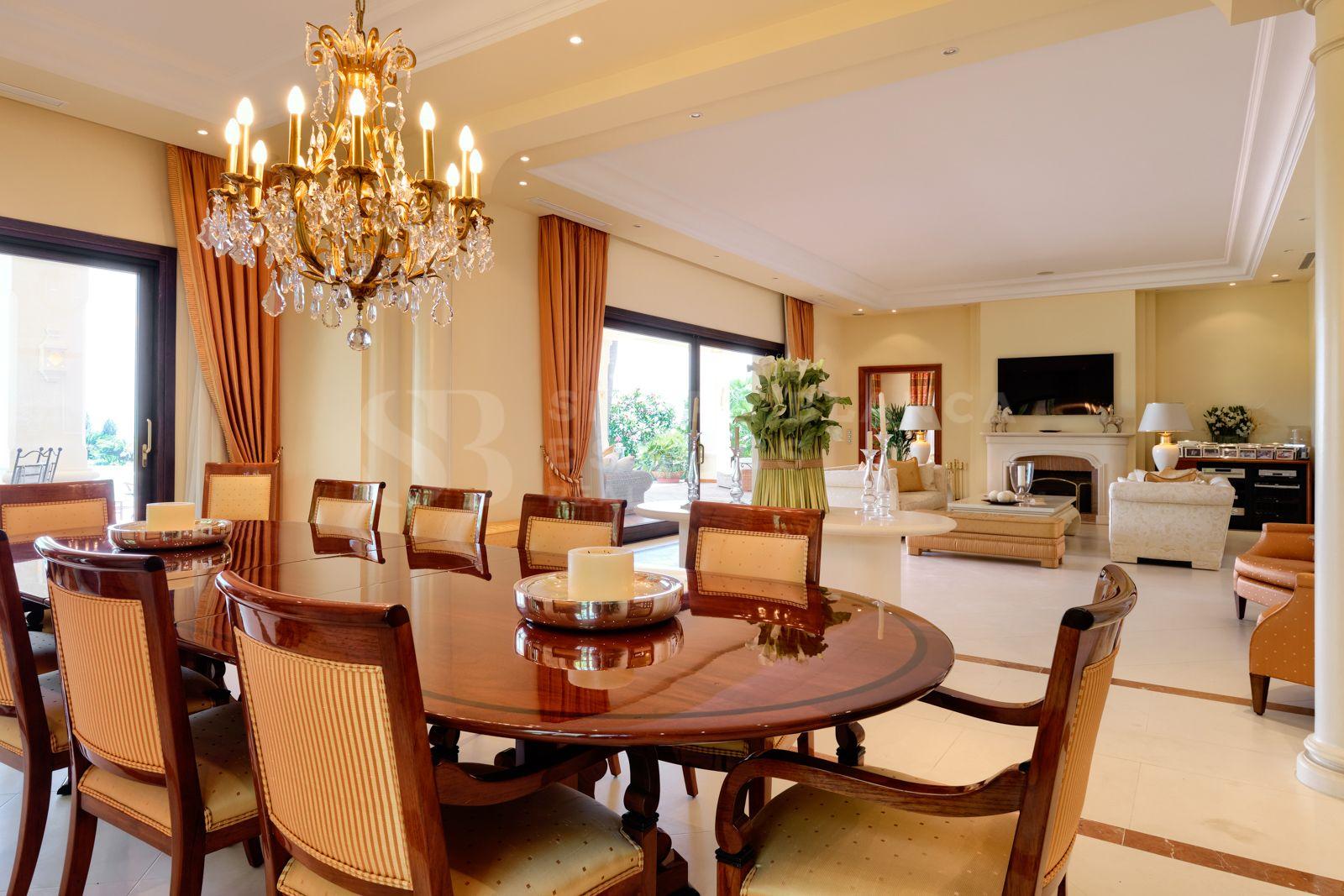 Exquisite Classical Style Villa in Marbella Hill Club