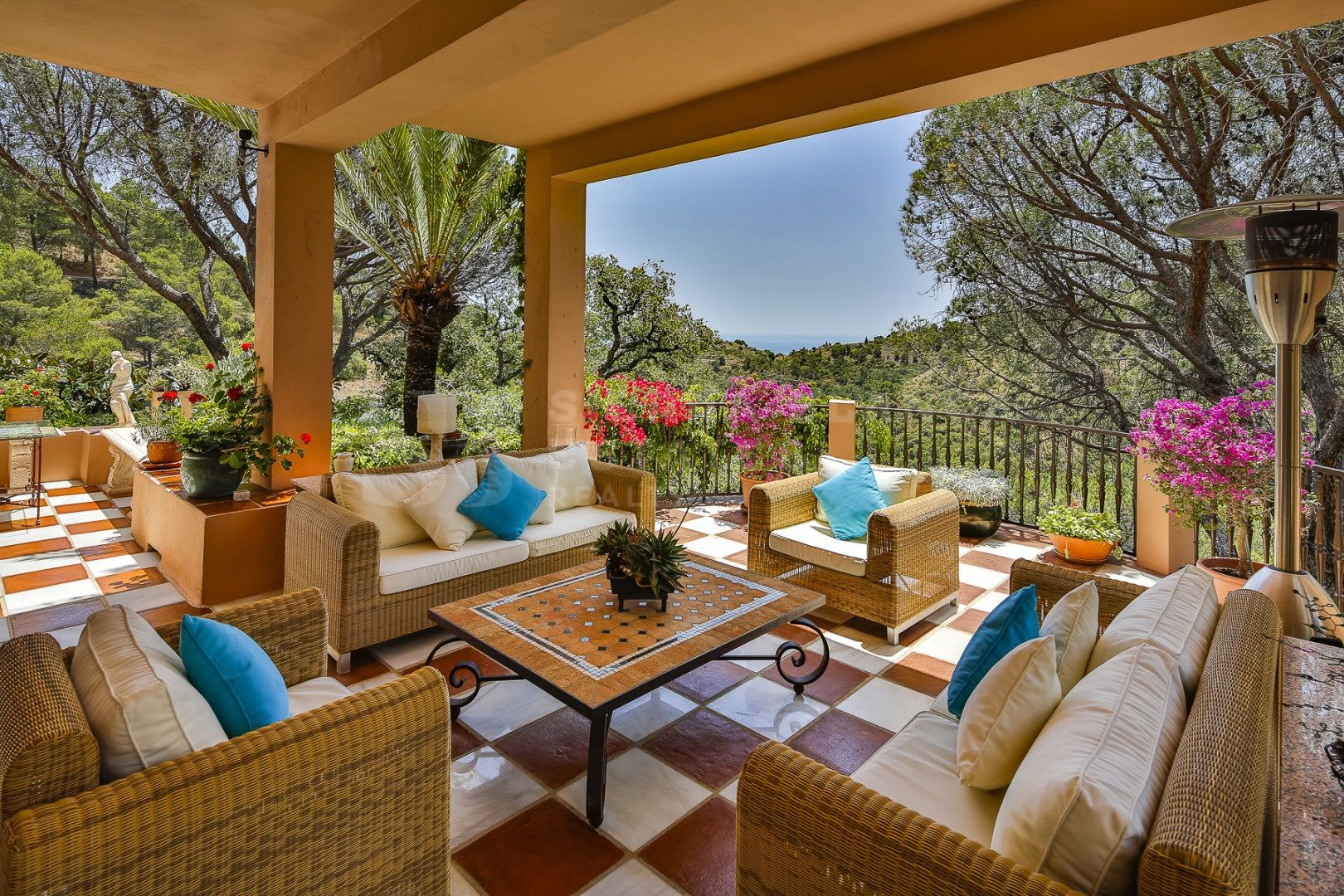 Magnificent villa surrounded by nature in El Madroñal