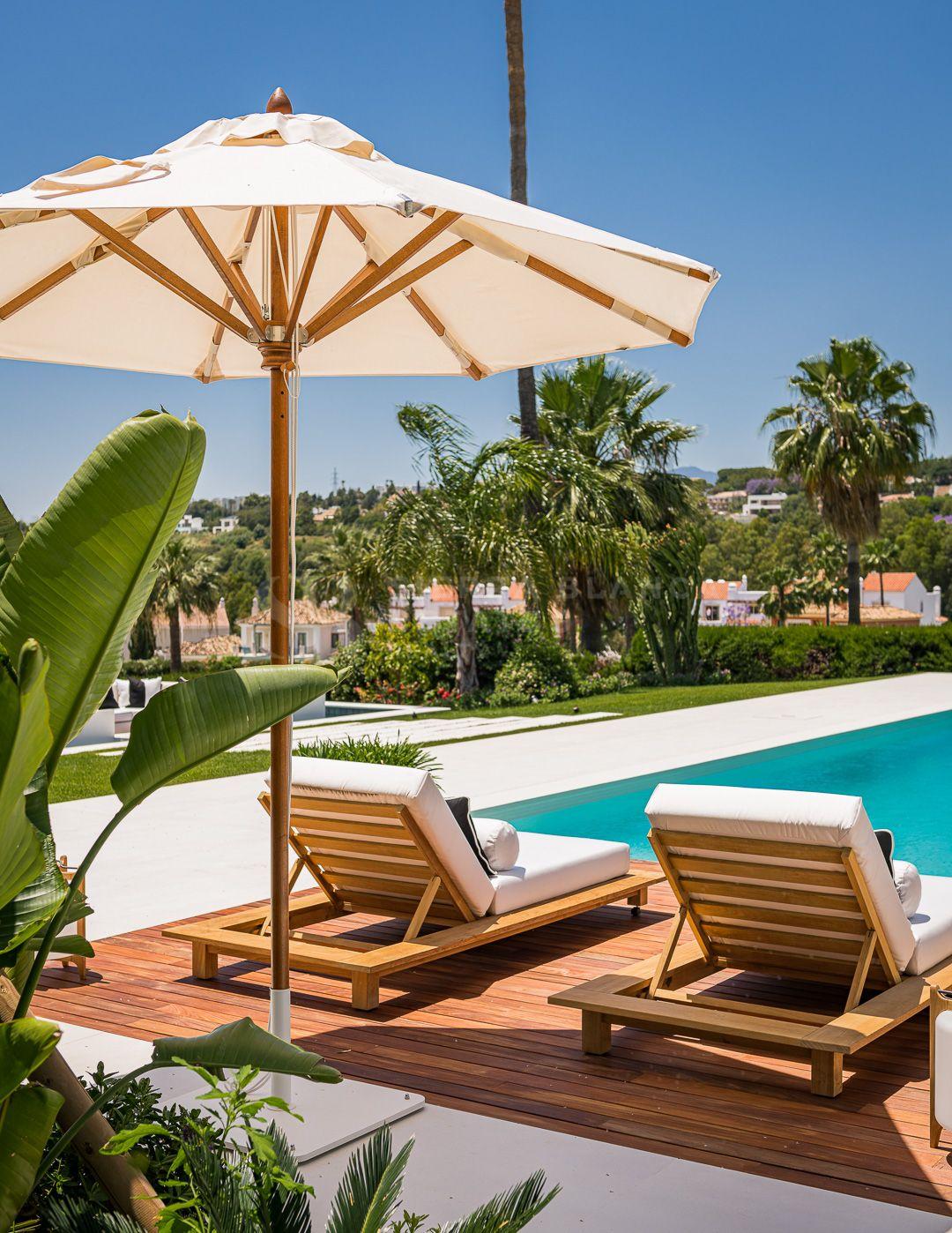 Villa en Primera Línea de Golf en Los Naranjos, Nueva Andalucía