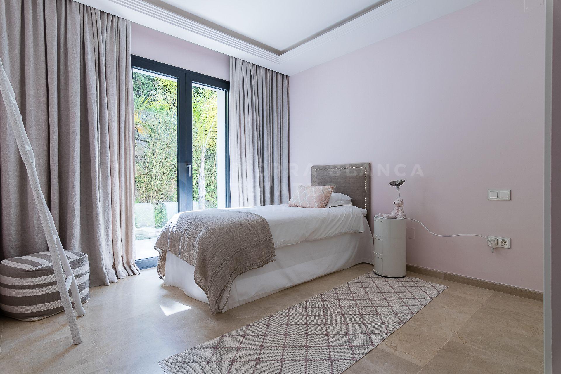 Exquisite Villa in Los Naranjos Golf, Nueva Andalucia
