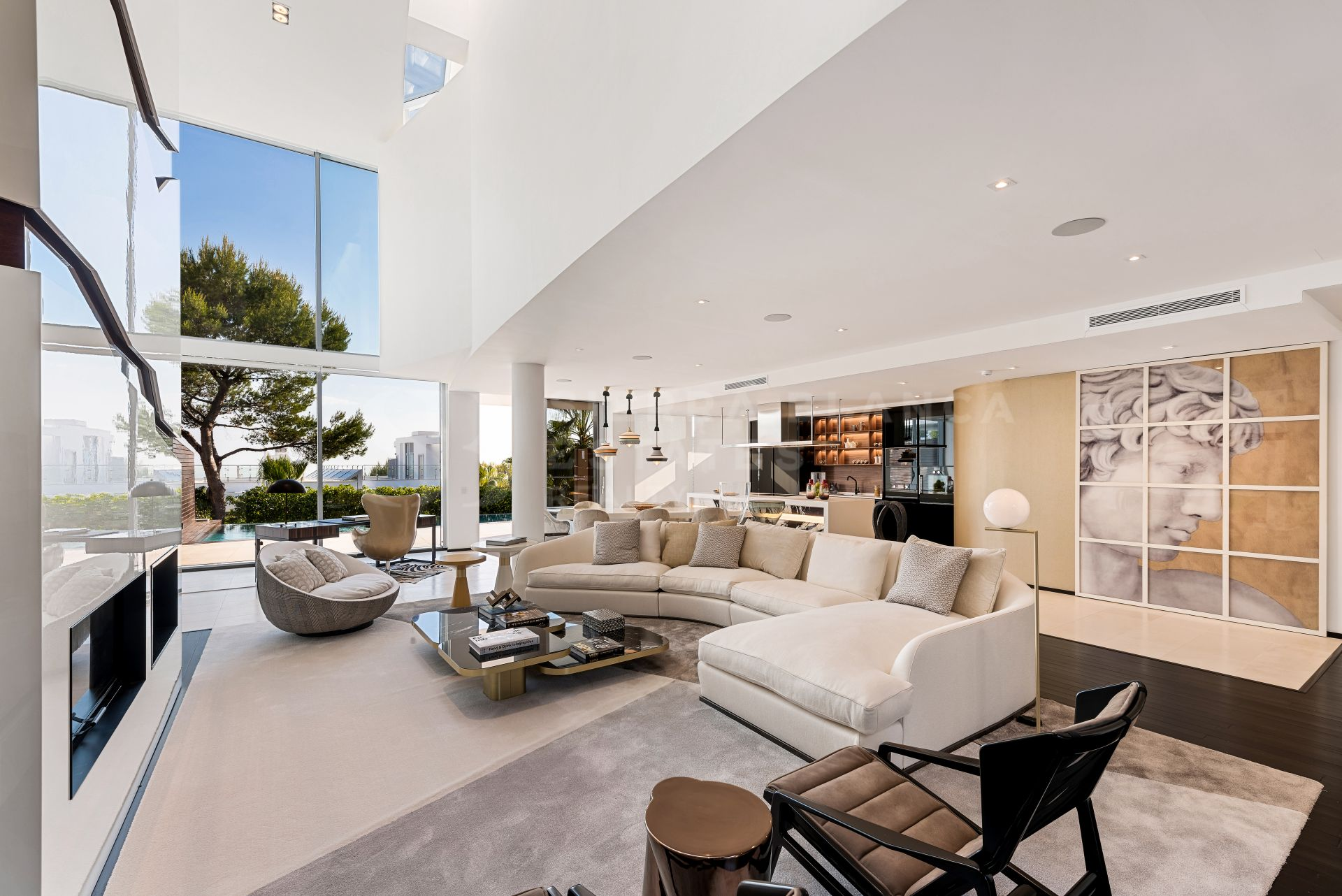 Design Villa in the Prestigious Sierra Blanca