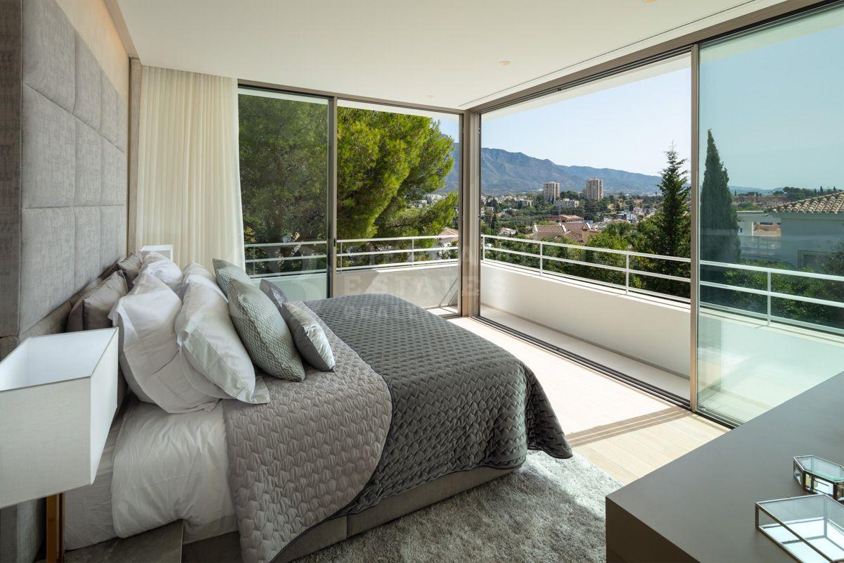 Cutting Edge Villa in the Exclusive Nueva Andalucía