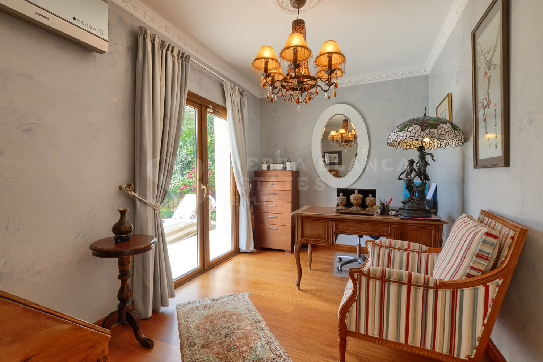 Preciosa Villa Tradicional en Nagüeles