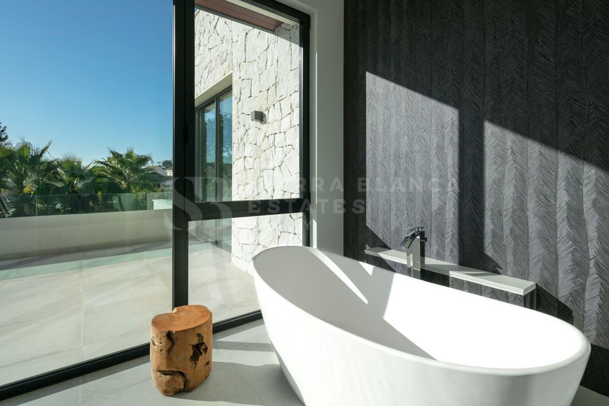 Brand New Contemporary Beachside Villa