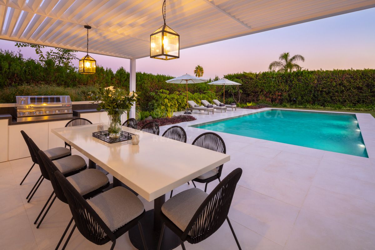 Spectacular Villa with Magnificent Views in Aloha