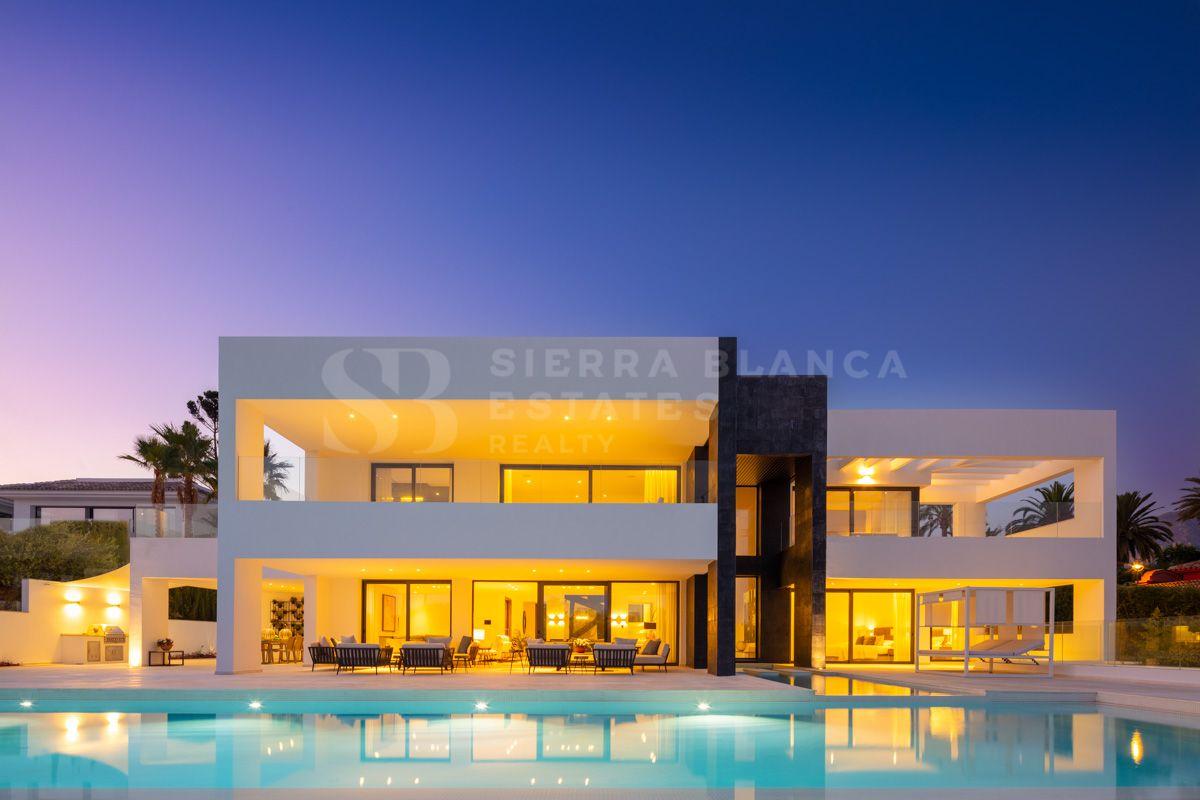 Villa Contemporánea a Estrenar con Vistas al Mar en Nueva Andalucía