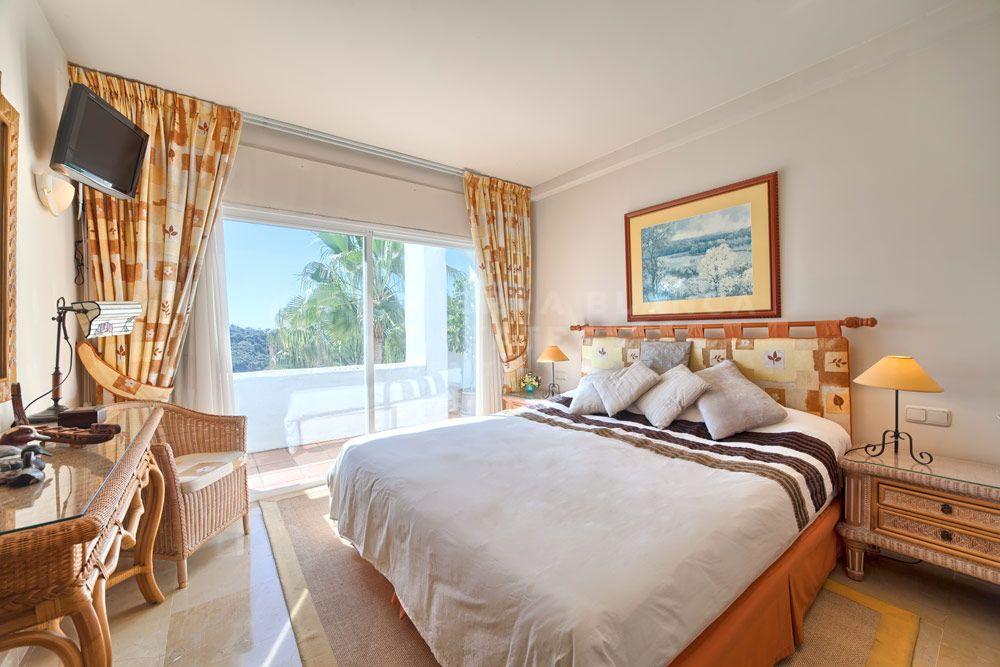 Stunning Frontline Golf Penthouse in La Quinta