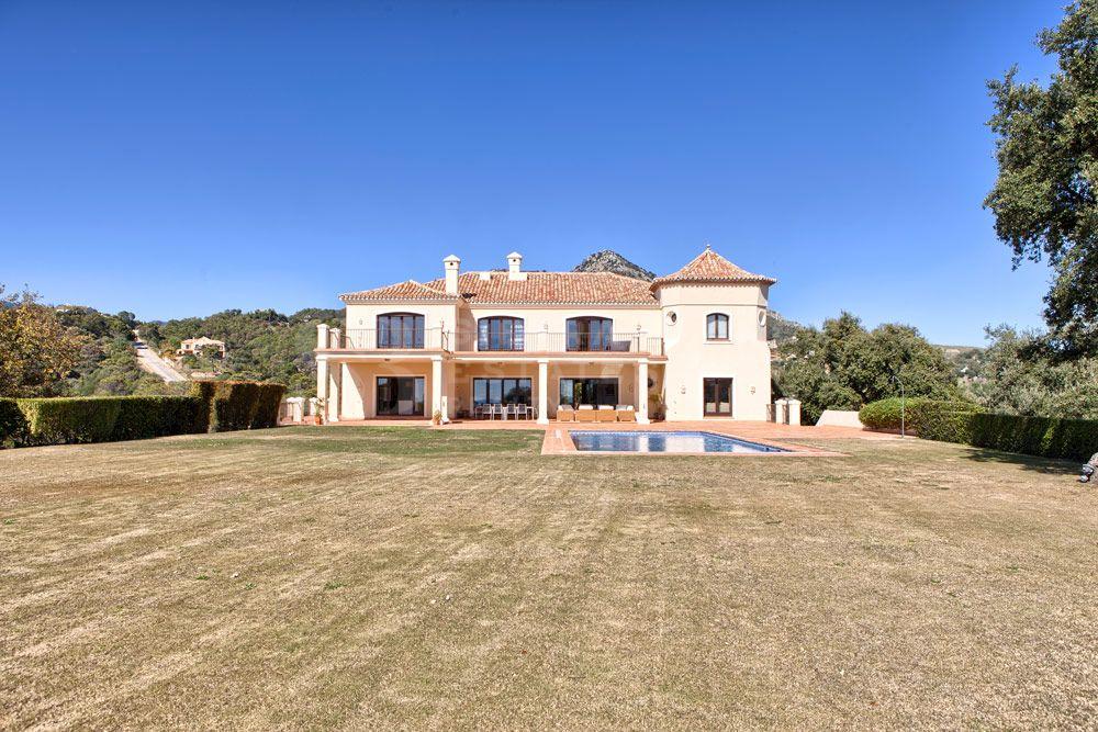 Elegant Villa in Marbella Club Golf Resort, Benahavis