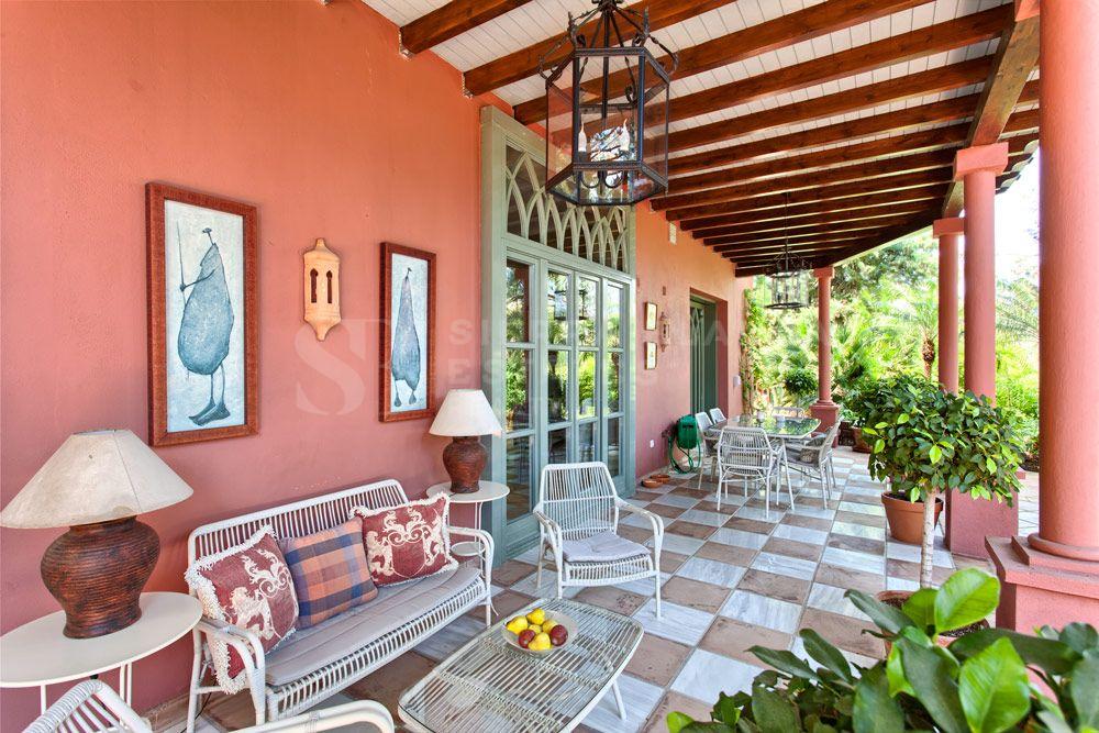 Charming Villa on a Large Plot in Hacienda Las Chapas