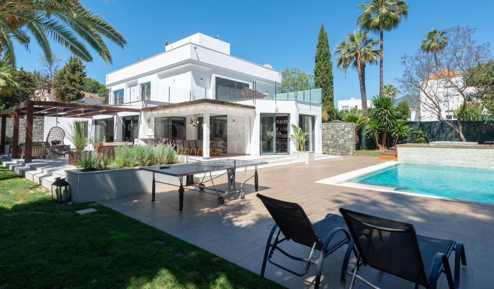 Gorgeous Modern Villa in Nueva Andalucia Golf Valley