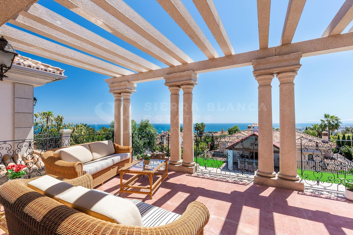 Majestic Classical Villa with Sea Views in Sierra Blanca