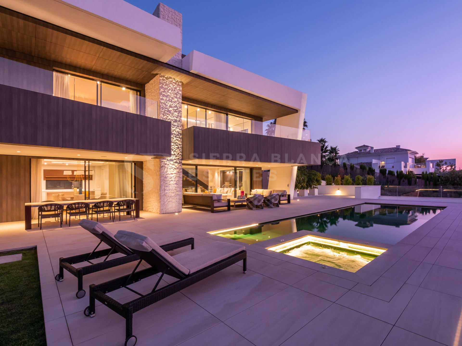 Newly Built Contemporary Villa in Nueva Andalucia