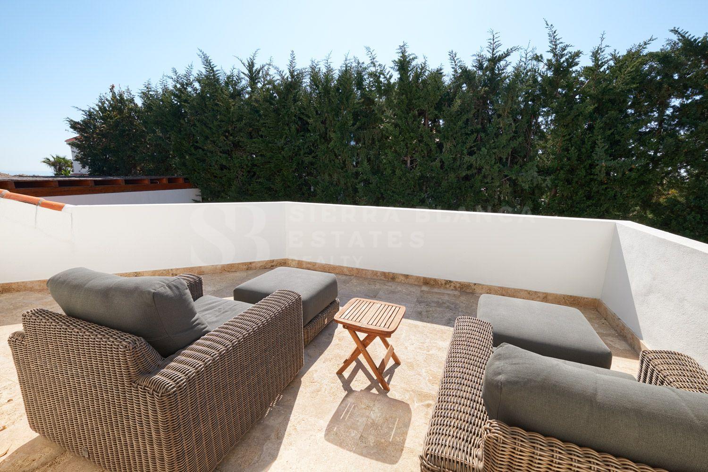 Belle villa moderne à Lomas de Nueva Andalucia