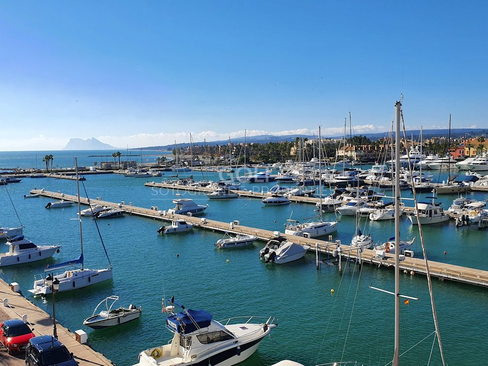 Penthouse for sale in Sotogrande Puerto Deportivo