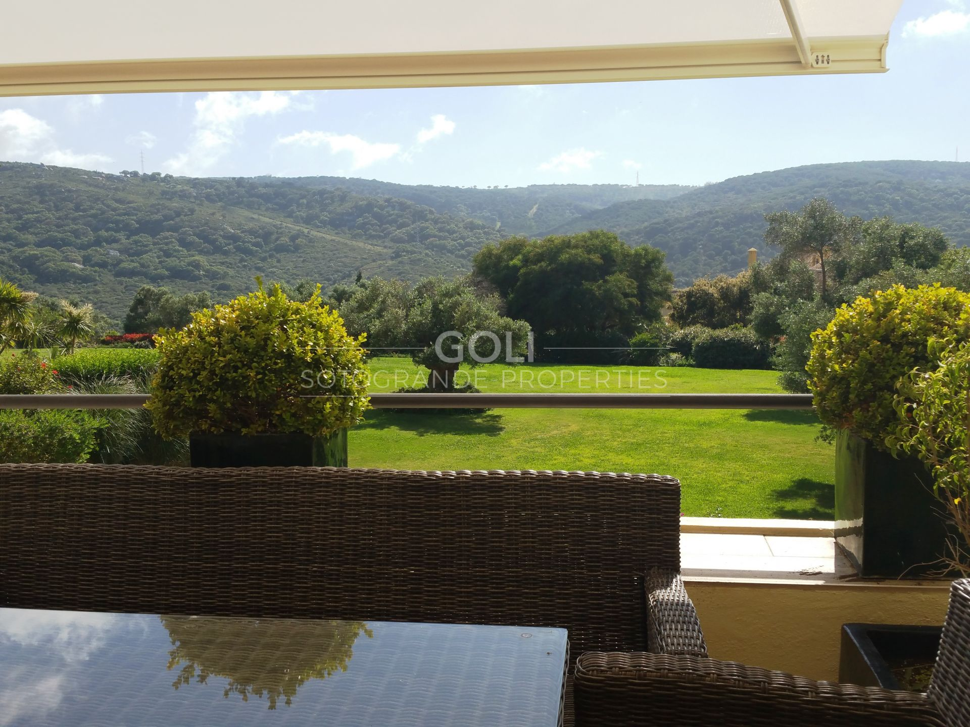3 bedrooms apartment with spectacular views in San Roque Club
