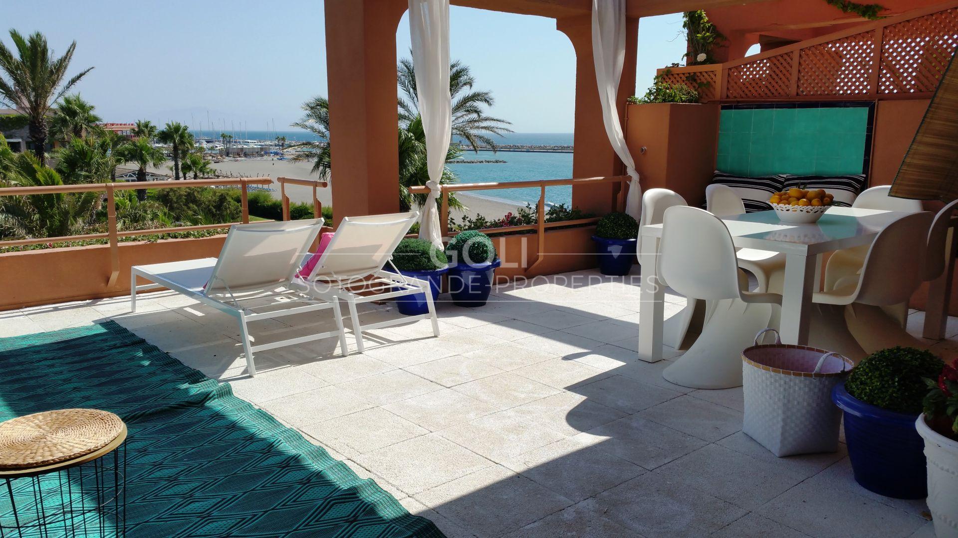 Beautiful penthouse with fantastic sea views