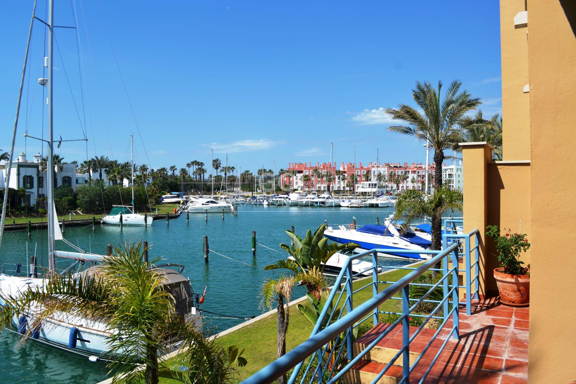 Bright apartment in Isla de La Vela