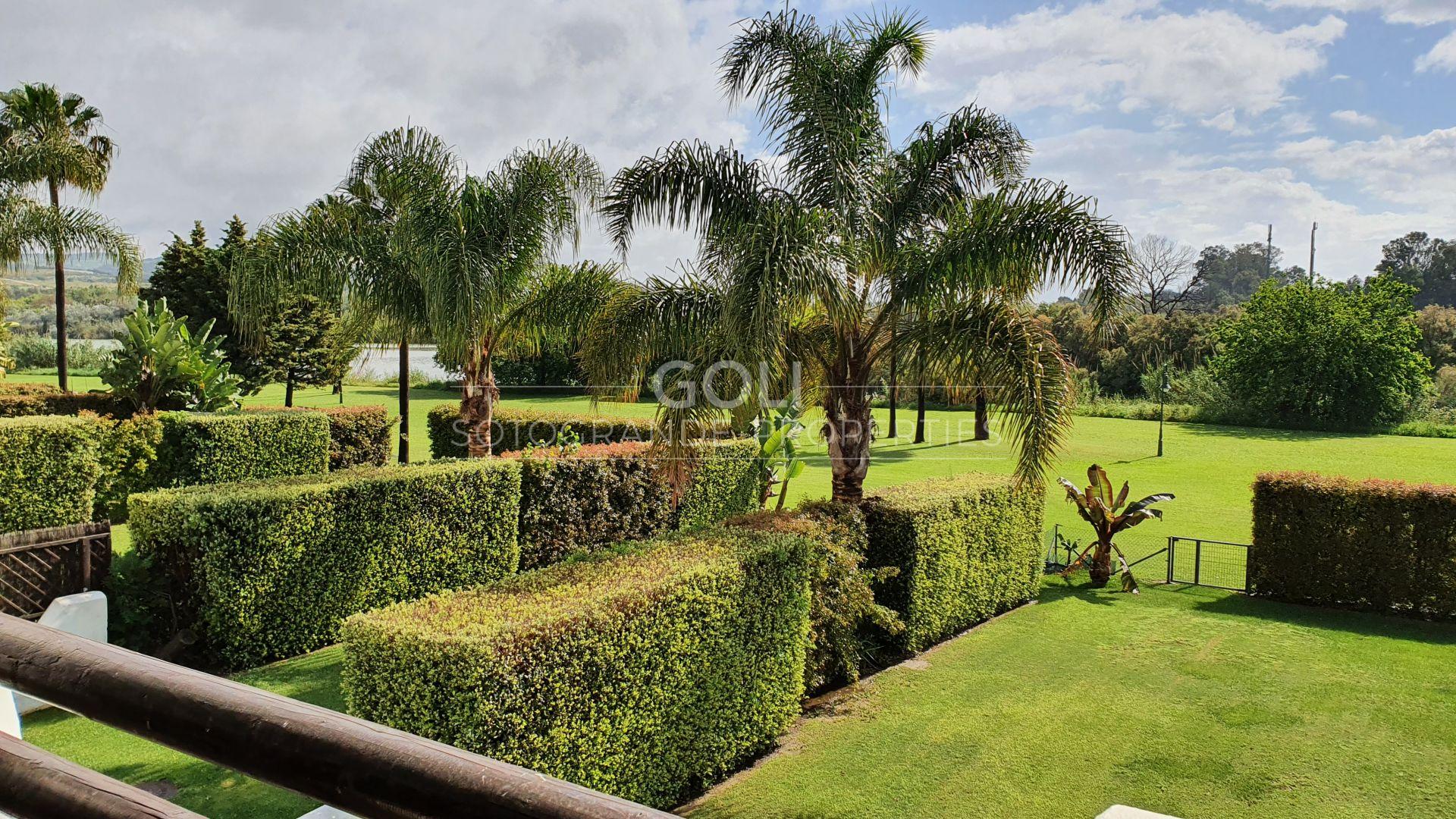 Apartamento con vistas al Santuario de Aves y al río Guadiaro