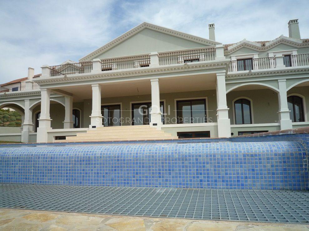 Villa with great views on the La Reserva Golf Course