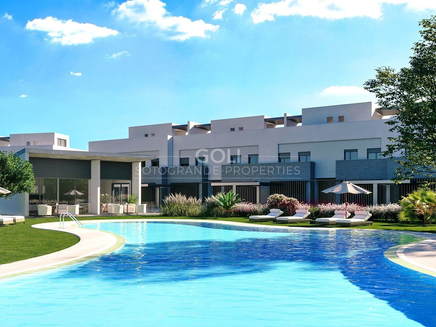 Magnificent front-line townhouses on San Roque Golf