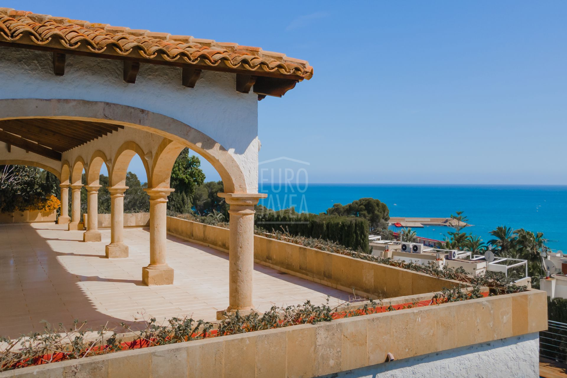 Charming traditional style villa for sale in Jávea with spectacular sea views
