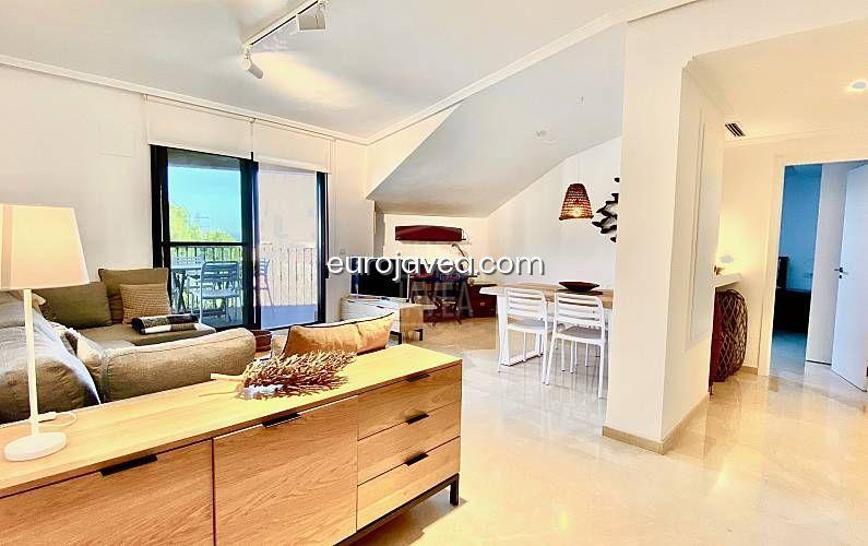 Apartamento en alquiler turístico totalmente reformado con vistas al mar