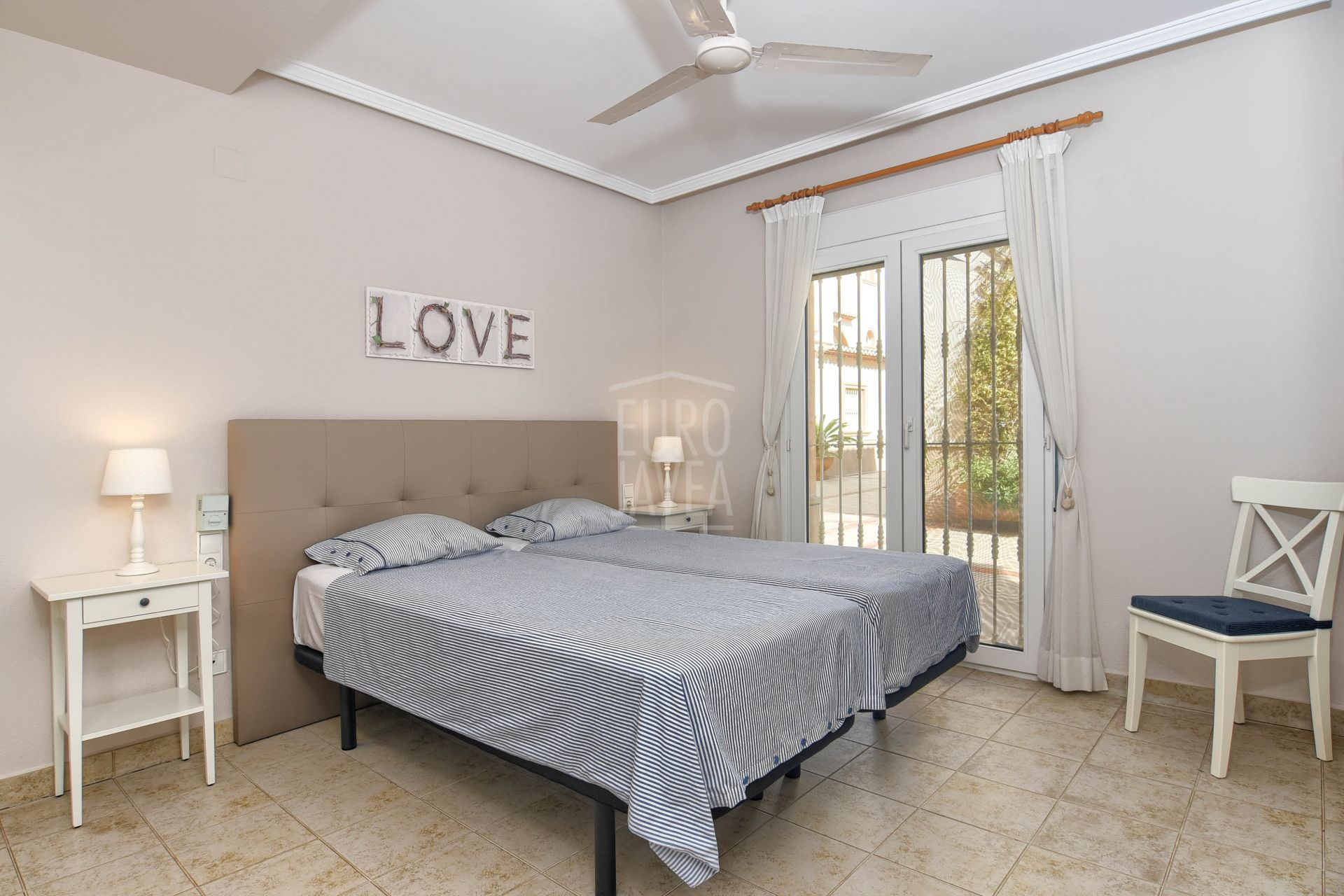 Apartment ground floor for sale in exclusive in Jávea, close to the Arenal Beach and all services