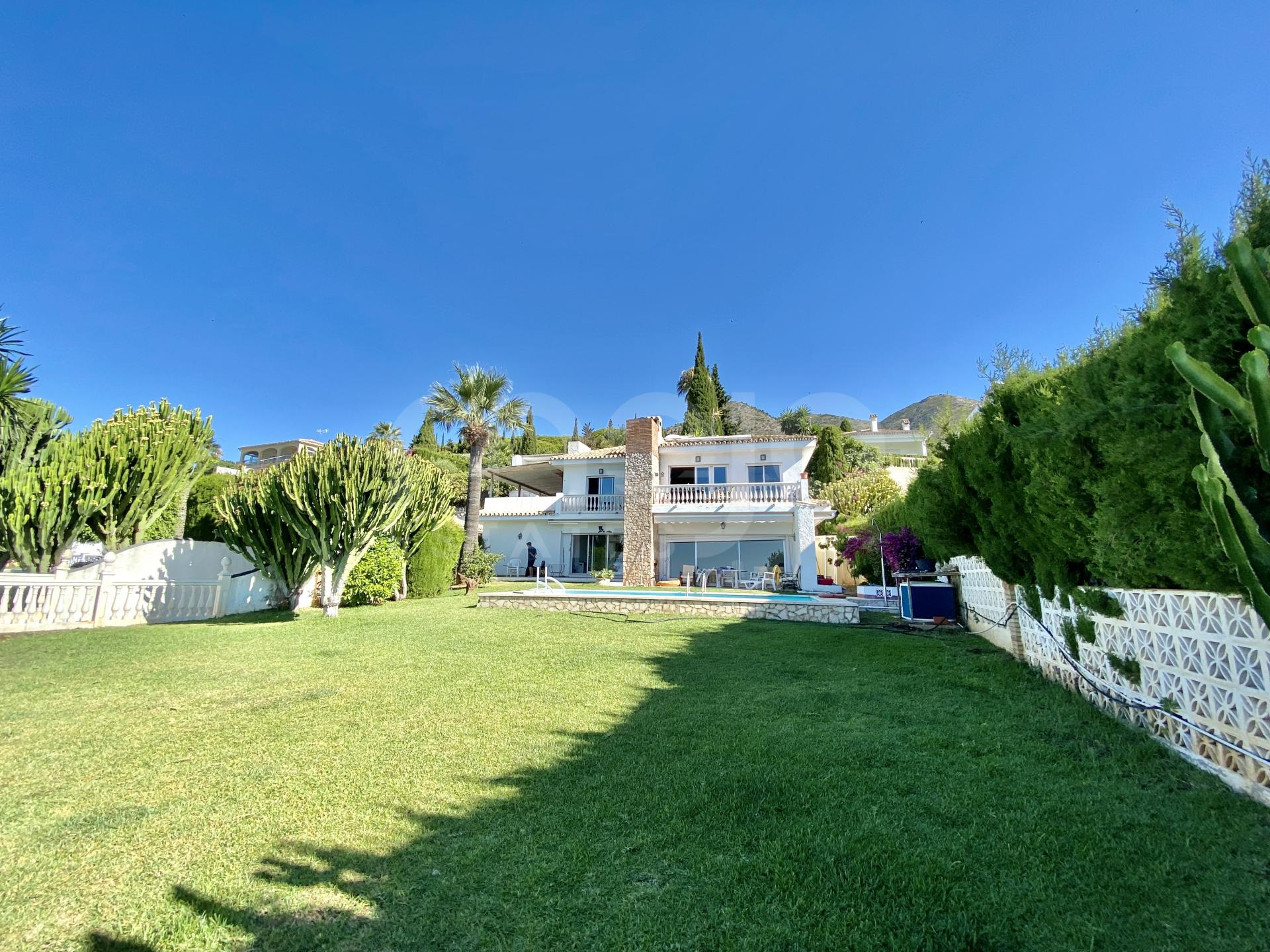 Villa for sale in La Capellania, Benalmadena