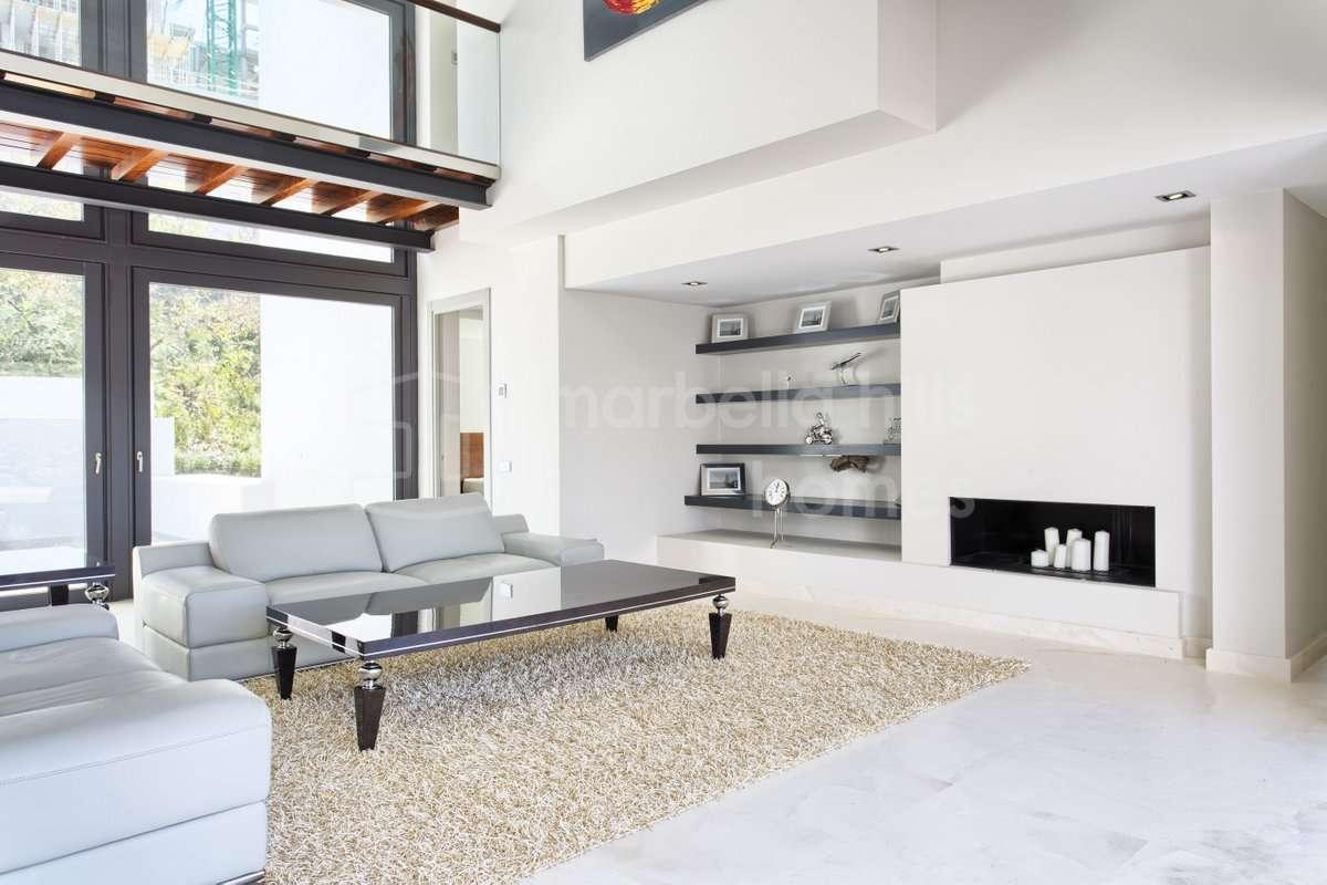 Villa De Lujo Ultra Moderna En Los Arqueros Golf # Muebles Directo Cee